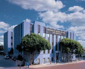 上級オーガニゼーション(カリフォルニア州ロサンゼルス)