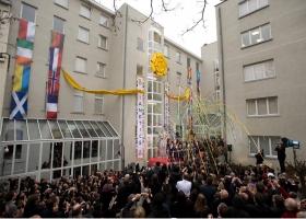 2010年1月23日、ヨーロッパ各地から約1000名のサイエントロジストと支持者が参加して、ヨーロッパのためのサイエントロジー教会ブリュッセル支部のグランド・オープニングが行われました。