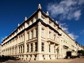 ブリュッセルの中心、ワーテルロー大通り100-103番地にある、この20世紀初頭に建築された歴史的建造物は、この地域の人々とヨーロッパ中の人々の精神的な必要性を満たすサービスを提供します。