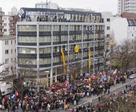 2007年1月13日、サイエントロジー教会ベルリンのグランド・オープニングという記念すべき式典に、数千人のサイエントロジストに加え、国連や合衆国大使館、ヨーロッパの報道機関からの来賓が参加しました。