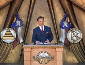 サイエントロジー宗教の教会指導者であるリリジャス・テクノロジー・センター会長デビッド・ミスキャベッジ氏がサイエントロジー教会ダラスのグランド・オープニング式典に立ち会い、「精神的な自由というテキサスの夢が実現されました」と述べました。